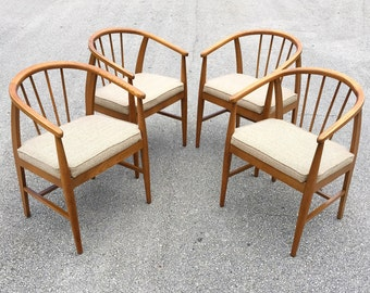 Free Shipping Set of 4 Danish Modern Style Dining Chairs