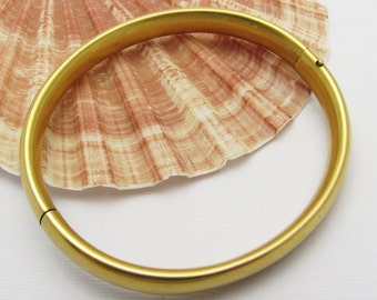 Vintage Bangle Bracelet 1940s Brushed Gold Jewelry B7203