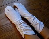 Vintage Dress Gloves, Vintage Opera Gloves, White Gloves, Dress Gloves, Long Gloves, Wedding, Mad Men Style, 50's Style, Ruched Gloves