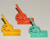 Vintage Small Metal Cannon Gumball Machine Prize Toy Lot of 3 Yellow Mint Green Orange
