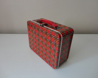 VINTAGE 1970s red and black plaid metal LUNCH BOX