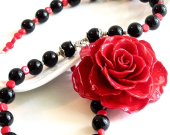 Large Real Rose Necklace - Red, Flower Necklace, Real Flower Jewelry, Nature Jewelry, Black Onyx, Gemstone