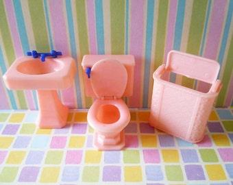 Vintage Renwal Dollhouse Miniatures Furniture Pink Bathroom Set Toilet Sink Clothes Hamper