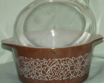Vintage Pyrex Brown Bowl/Lid Woodland Pattern