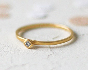 14k Gold Rhombus Diamond Ring, Kite Shaped Diamond. 14K Solid Gold. Dainty Stackable Wedding Ring Promise Affordable Engagement Ring
