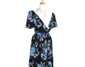 ON SALE 1980s Black Floral Day Dress w/ Lace Edge Collar - Vintage Garden Party - size Medium