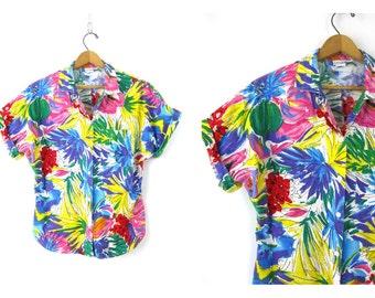 Floral Print Shirt Button Up summer shirt Bright Hawaiian Beach resort Shirt Vintage women's size Medium