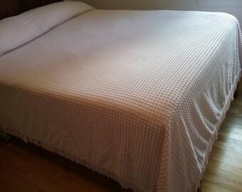 Vintage Morgan-Jones Popcorn Chenille Bedspread in pretty Pink
