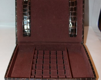 Vintage Faux Alligator Cuff Link and Tie Bar Storage Box, Tuck Tite, 1950's to 1960's Era