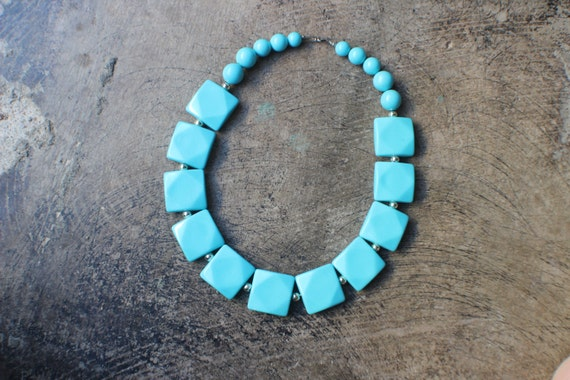 Turquoise Necklace / 1960's Chunky Bead Necklace \ Vintage Costume Jewelry