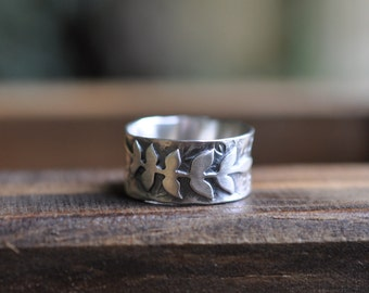 Sterling Silver Ring, Oxidised Metalwork Leaf Ring, Wide Band Ring - Rustic Elm Ring