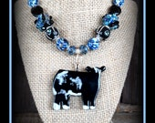Blue Roan Shorthorn Show Steer Glass Pendant With Beaded Necklace