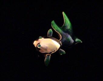 Adorable SWAROVSKI Swan Signed Green Guilloche Enamel & Crystal Goldfish Pin