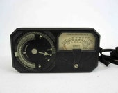 Vintage Weston Model 650 Photo Exposure Meter in Bakelite Case. Circa 1930's.