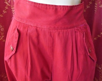 Fantastic 1930s-1940s Womens Red Camping Hiking Ski Pants Great Details & Style 26 Waist