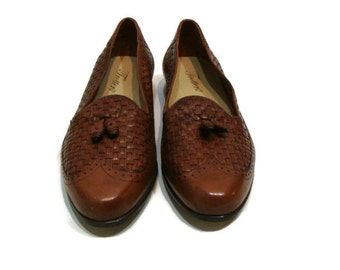 Vintage Brown Leather Trotters Loafers Leather Tassel Loafers Womens Tassel Loafers Womens Leather Loafers Leather Loafers For Women