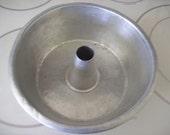 Vintage Angel Food Bundt Aluminum One Piece Cake Pan