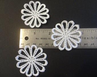 3 lace flower appliques