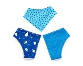 3 Blue bibs in organic fabric. Bandana bib for baby shower gift
