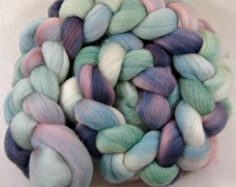 Opalescence 2 Falklland wool top for spinning and felting (4.2 ounces)