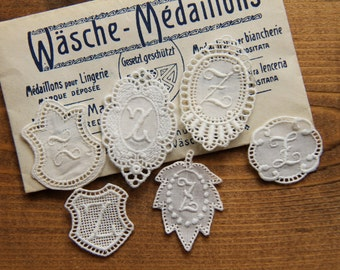 Washing mark - Wäsche Médaillons - Médaillons pour Lingerie - Medaglioni per biancherie monogram embroidered initial collection Z