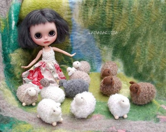 Tiny white knitted sheep farm animal - 1 pcs, waldorf toys. stufed toys.  toys for playscape