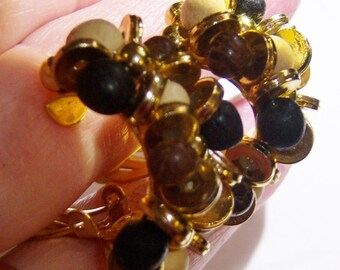 vintage curved brown, black, tan, gold tone clip on earrings 1215C