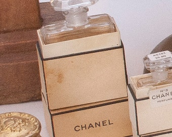 Vintage Chanel Perfume Bottle in Box   AS100