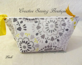 Essential oils bag, essential oils pouch, essential oils  bag, essential oils case  wrist-let - makeup bag-  small clutch yellow dots bag,