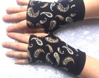 Fingerless  gloves gold fish in Black Lake