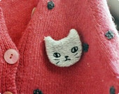 Hand embroidered cat brooch
