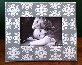 Gray and White 5x7 Picture Frame , Medallion Patterned Frame , Wedding Photo , Family Photo Frame , Decorative Painted Frame ,  Modern Decor