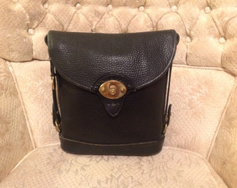 Vintage Black AWL Dooney Bourke Spectator Crossbody Shoulderbag Purse Classic Fashion Wear