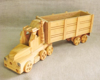 Toy Truck , Semi Truck , Carrier Truck , Handmade Toys , Wooden Toy , Wooden Truck , Toys , Transportation Toys , Big Rig , Toy Big Rig