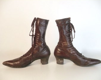 Vintage 1800s Victorian Granny Boots, Brown Leather, Lace Up, 20 Hole, Cap Toe, 11 in. sole