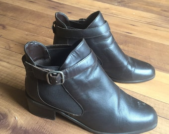 Women's Size 7 BrownLeather Ankle Boots