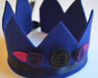 arya poesy eco friendly seven point felt crown with flowers, leaves, and adjustable ribbon tie. available in 30 colors. party, play, rule.