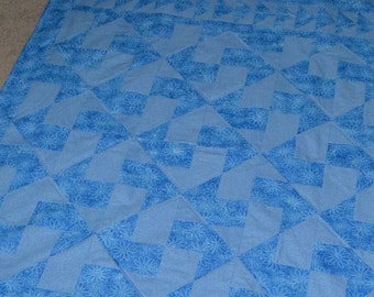 Flowers in Blue Quilt