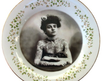 """The Tattooed Lady - Altered Vintage Plate 7.15"""""""