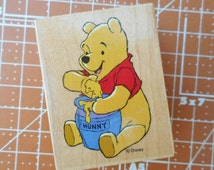 Winnie the Pooh Rubber Stamp Pooh 'n Hunny   997-E04