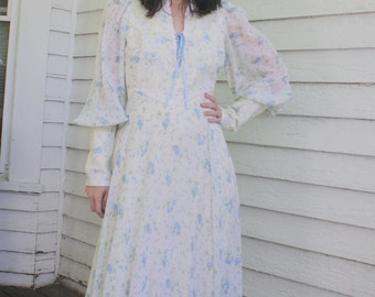 70s White Floral Prairie Dress Victorian Western Vintage S