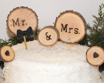 Wood Cake topper ~ Mr Mrs Cake Topper With Bling/Bowtie ~ Rustic Cake Topper ~ Woodland wedding ~ Wedding cake topper