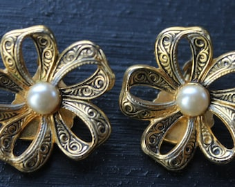 Spanish Damascene Open Flower & Pearl Clip On Earrings