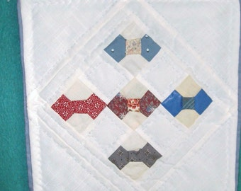 QUILT MINIATURE Scrappy Colors on White/Traditional Bow Tie Pattern/Hand Quilted in US/Americana/Wall Hanging/Doll Quilt/Mat/Masculine/