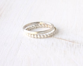 Stacking silver rings / bead wire and hammered ring / dots stacking rings in brushed silver / simple silver rings dots modern Handmade