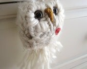 Knitted Valentine Ornament, Oatmeal Cream Love Owl with Red Heart, Valentine's Day Decor