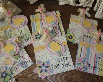 Party favor bags with tags paper gift bags candy treat paper sacks pocket pink green yellow birthday supplies gifts packaging Hostess gift