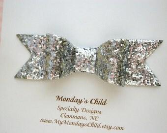 Silver Glitter Bow, Silver Glitter Hair Bow, Silver Hair Bow, Silver Bow, Glitter Bow, Toddler Bow, Toddler Hair Clip, Girls Hair Bow