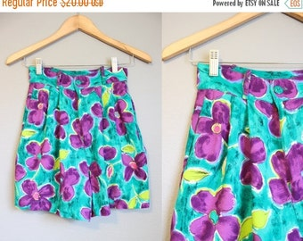 20% Off FALL SALE Floral Shorts High Waisted Vintage Green Rayon 1990s XS