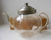 Vintage Rare Pyrex Teapot 1930s Engraved Etched Metal Lid Tea Ball